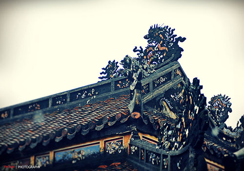 Sophisticated architecture of Hue royal tomb - Hue mausoleum tour
